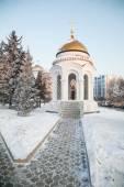 Snow-covered chapel on the park Kirov Irkutsk — Stockfoto
