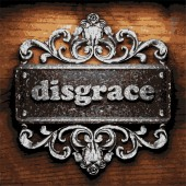 Disgrace vector metal word on wood — Stock Vector