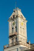 El reloj en la torre de campana — Foto de Stock