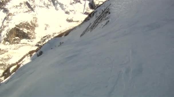 Hombre del esquí de deporte — Vídeo de stock