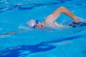 Man swimmer practicing — Stock Photo