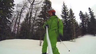 Extreme Ski sport, man at winter with gopro camera — Stock Video
