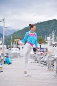女人在滨海延伸 — 图库照片