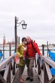 Happy couple in venice — Stock Photo