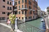 Hermosa mujer en Venecia — Foto de Stock