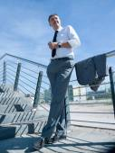 Homme d'affaires à l'espace de bureau moderne — Photo