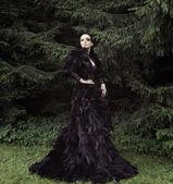 Dark Queen in park — Stock Photo