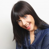 Beautiful young surprised woman. — Stock Photo