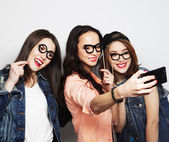 Funny girls, ready for party — Foto de Stock