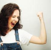 Kvinna glad extatiska firar att vara en vinnare. — Stockfoto