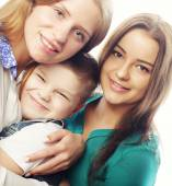 A pair of sisters and little brother — Stock Photo