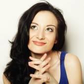 Close up portrait smiling brunette — Stock fotografie