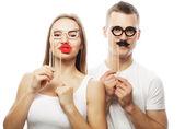 可爱的夫妇牵着方眼镜 — 图库照片