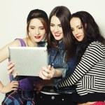 Girls friends taking selfie with digital tablet — Стоковое фото #80983922