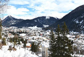 Winter view of Davos, famous Swiss skiing resort  — Stock Photo