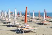 Beach umbrellas in Marina di Grosetto — Stock Photo