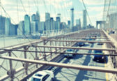 Traffic on the Brooklyn bridge — Stock Photo