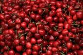 Cherries at a market — Stock Photo