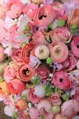 Pink roses and ranunculus bridal bouquet — Stock Photo