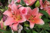 Tiger Lily wedding arrangement — Stock Photo