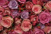 Pastel roses wedding arrangement — Stock Photo