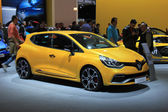 Amsterdam, The Netherlands - April 23, 2015: Renault Clio at sta — Stockfoto