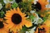 Yellow bridal arrangement — Stock Photo