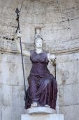 Statue Dea Roma in Rome, Italy — Stock Photo