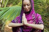 девушки в сари — Стоковое фото