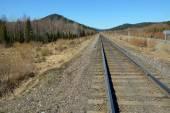 Ferrocarril en las montañas — Foto de Stock