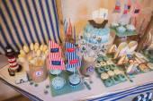 Dessert table in marina style — Stockfoto