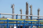Petrochemical plant pipelines industry zone — Stock Photo