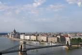 Chain bridge and Hungarian Parliament Budapest — Stock Photo
