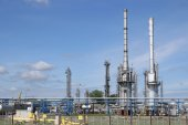Petrochemical plant oil industry — Stock Photo