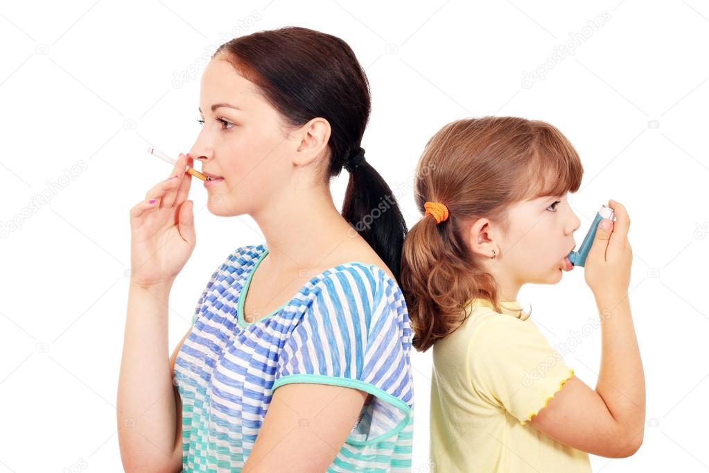trs jeunes filles qui savent fumer et avaler la fume
