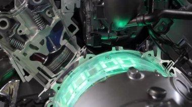 Car hybrid engine pistons and valves — Stock Video