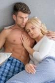 Romantic Lovers on Bed Fashion Shoot — Foto de Stock