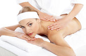 Woman Getting Shoulder Massage from Masseuse — Foto de Stock