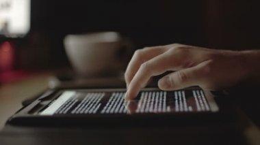 Man Browsing on Tabet — Stock Video