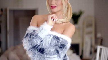 Elegant pretty blond woman — Stock Video