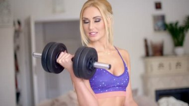 Vivacious pretty blond working out — Stock Video
