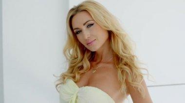 Blond Woman Wearing Strapless Dress — Stock Video