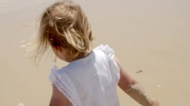 Little Blond Girl Enjoying at the Beach — Stock Video