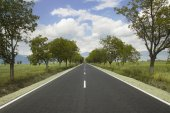 Bulgarian Road with a beautiful sky  — Stock Photo
