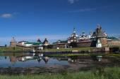 Transfiguration of Jesus Christ Savior Solovetskiy monastery on Solovki islands (Solovetskiy archipelago) in White sea, Russia, UNESCO World Heritage Site — Stock Photo