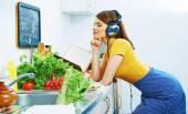 Woman prepare breakfast in kitchen. — Stock Photo