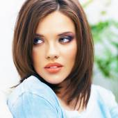 Beautiful woman with brown hair — Stock Photo