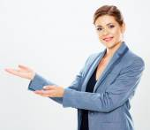 Geschäftsfrau präsentiert textfreiraum — Stockfoto