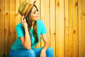 Country style woman in hat — Stock Photo