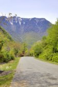 A road is in the mountains of Abhazia — Stockfoto